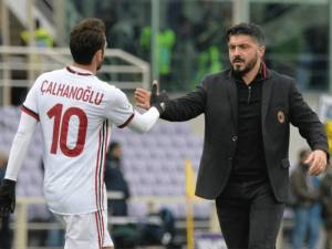 Calhanoglu thumbon Montella-n: Gattuso di si të motivojë