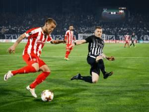Fotolajm / Radas akuzon ashpër: Futboll vari k****