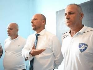 Katapultim nga Kategoria e Parë në Superiore, Kamza gjen trajnerin e ri