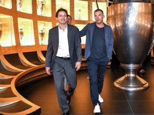 Leonardo nis bisedimet me PSG për objektivin e katalanasve