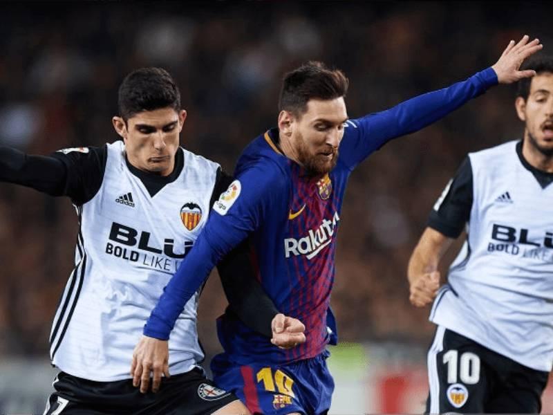 """"""" Los Blancos"""" kthejnë sytë drejt yllit të PSG…"""
