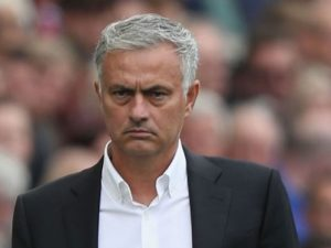 Mourinho: Drejtuesit e Manchester duhet të marrin shembull nga Juventusi
