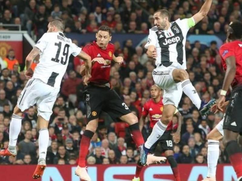 Mourinho ka një këshillë për Bonucci-n dhe Chiellini-n