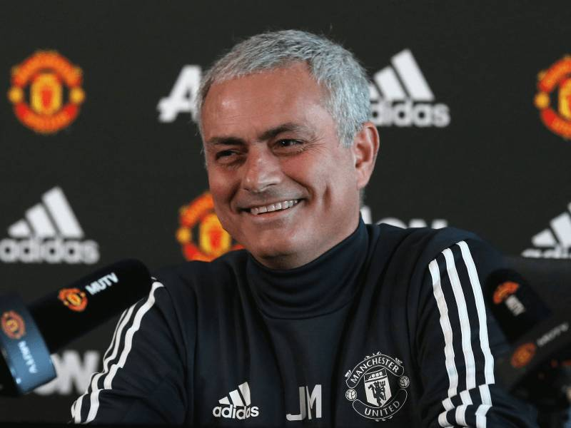 Mourinho thumbon Van Gaal: United kishte humbur mentalitetin fitues