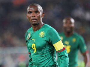 Samuel Eto'o bën bamirësi, i dhuron shtëpi ish-kapitenit të Kamerunit