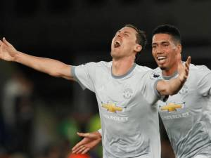 VIDEO | Perla e Matiç i jep fitoren Manchester United
