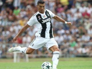 VIDEO/ Ronaldo debuton me gol, tifozët pushtojnë fushën