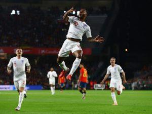 VIDEO | Spanja dominon, por Anglia i shkakton humbjen e parë dhe rihapi grupin