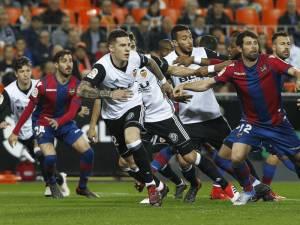 VIDEO | Valencia rigjen fitoren dhe parakalon Realin