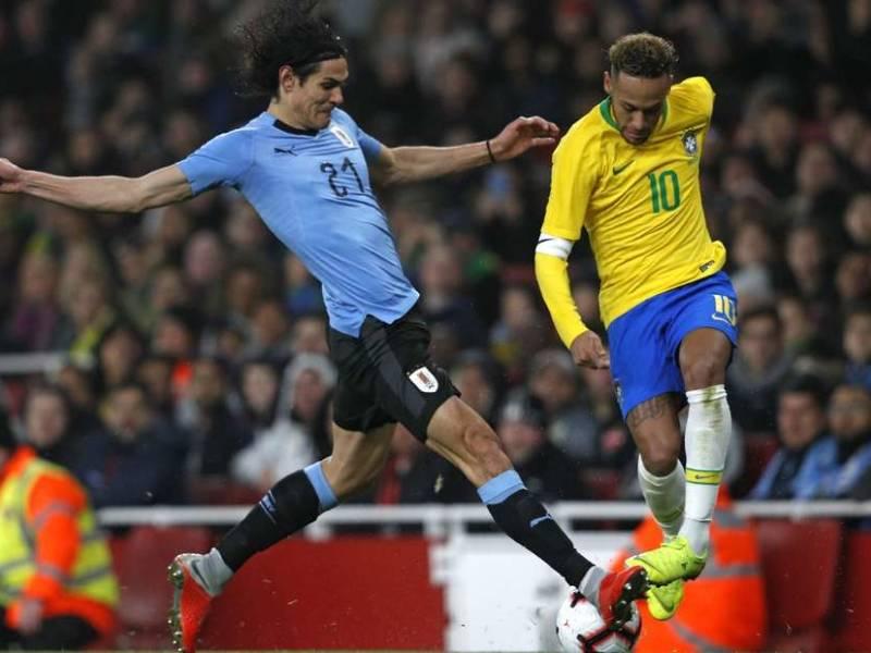 Cavani 'tërhiqet' nga incidenti me Neymar