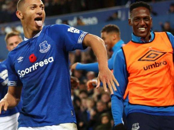 Barcelona mendon transferimin e Richarlisonit