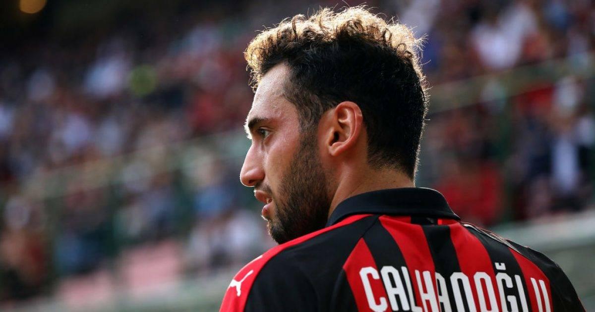 Calhanoglu drejt largimit, mbërrin oferta e parë për turkun nga Schalke