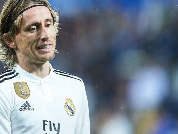 Modric refuzon rinovimin e kontratës me Real Madridin