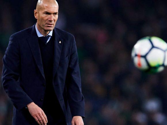 Zidane në vend të Sarrit te Chelsea