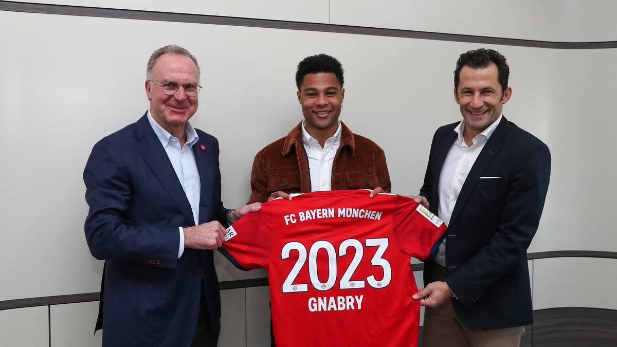 Bayern Munich ia vazhdon kontratën Serge Gnabryt