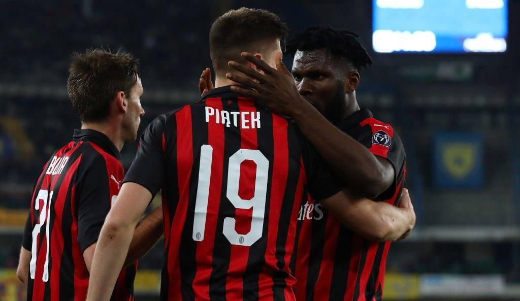Milani fiton në udhëtim te Cheivo dhe ruan diferencën me Interin para derbit