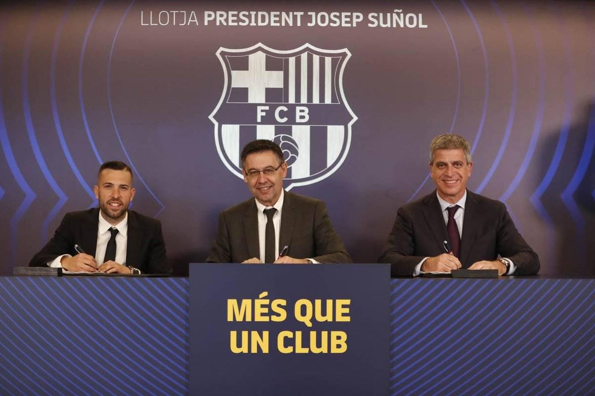 Zyrtare: Jordi Alba rinovon me Barçën deri më 2024