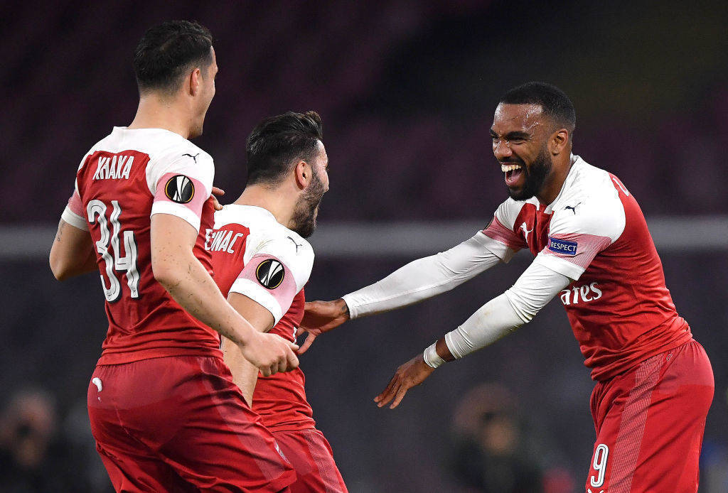 Arsenali kalon në gjysmëfinale duke e eliminuar bindshëm Napolin