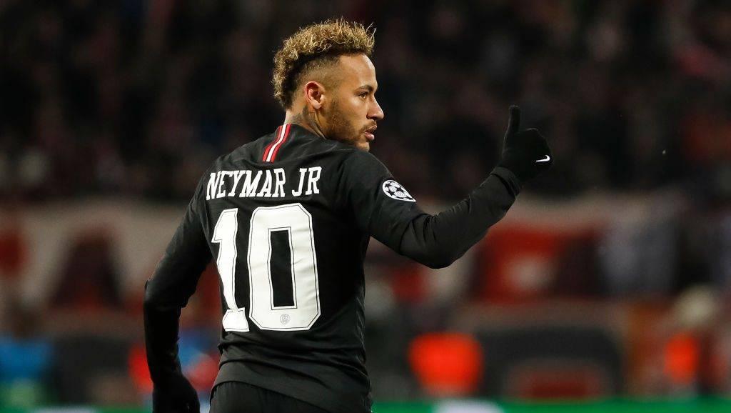 Babai i Neymarit i jep fund spekulimeve: Lojtari do të qëndrojë te PSG-ja
