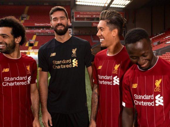 Liverpooli prezanton fanellat për sezonin e ri