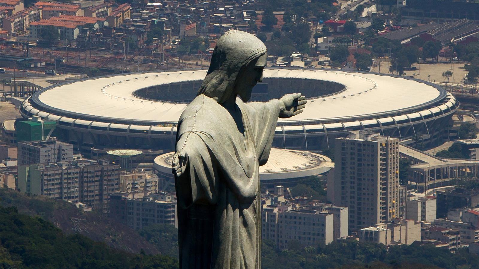 """Ka shkruar historinë e futbollit, mitiku """"Maracana"""" kthehet në spital për të prekurit e Koronavirus"""