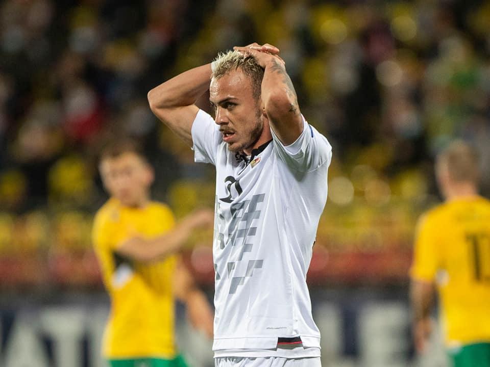 Grupi 4, Shqipëria zbret në vendin e 3-të, Reja kërkon 6 pikë në 2 ndeshjet e fundit