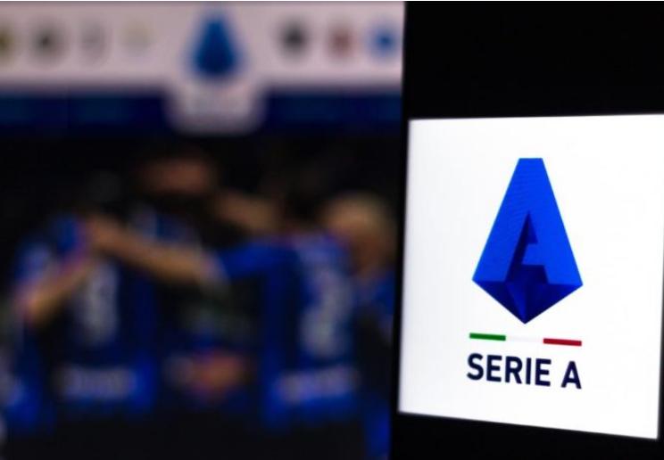 E konfirmuan më pas e shkarkuan, veprimi amatoresk i klubit të Serisë A me trajnerin